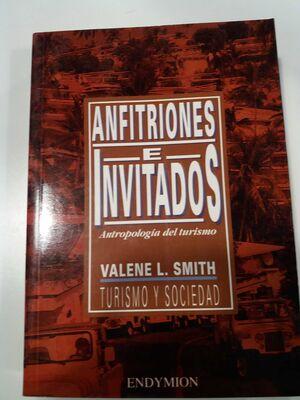 ANFITRIONES E INVITADOS